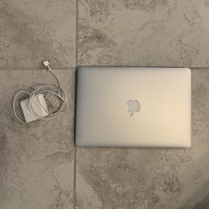 Macbook Air 2015 Silver(very Good Condition) for Sale in Las Vegas, NV