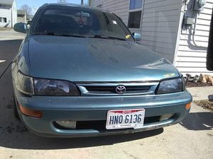 Toyota Corolla 95 auto 167351 millas 1200obo for Sale in Cleveland, OH