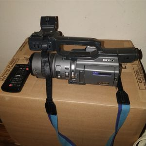 Sony CCD Mini-DV Cam for Sale in Tampa, FL