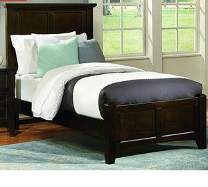 Solid Wood Panel Twin Bed-Like New! for Sale in Springfield, MO