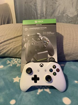 Xbox 1 controller with a double charger stations with everything included. for Sale in Los Angeles, CA