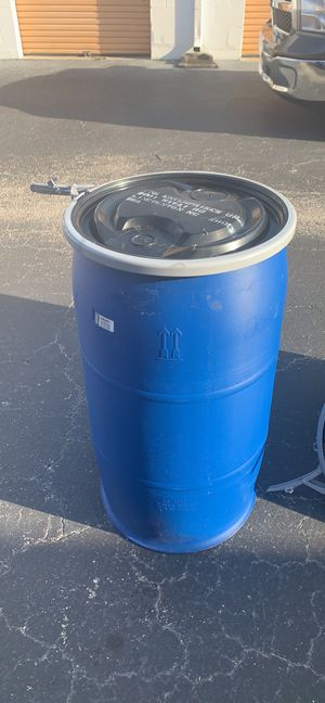 35 gallon open top. Cleaned plastic drum for Sale in FL, US