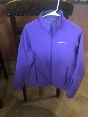 Patagonia women's jacket- purple for Sale in Sacramento, CA