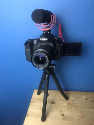 Youtuber Camera set up: Canon 60D, Rode VideoMic Go. And tripod Bundle for Sale in Washington, DC