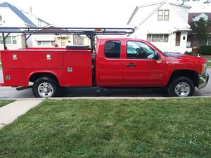 2010 chevy silverado 2500HD 4x4 utility service truck extended cab please read ad before texting for Sale in Chicago, IL