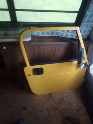 Newer Jeep door all in great shape and no rust or dents for Sale in Gillett, PA