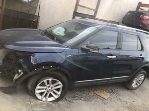 Ford Explorer 2012 clean title crashed for Sale in Miami, FL