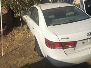 Parting out 2007 Hyundai Sonata for Sale in Bakersfield, CA