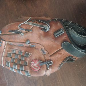 Rawlings Leather Softball Glove for Sale in Victorville, CA