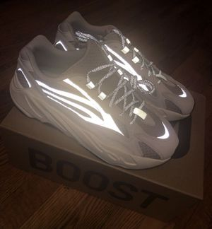 YEEZY BOOTS 700 STATIC Size 9.5 for Sale in New York, NY