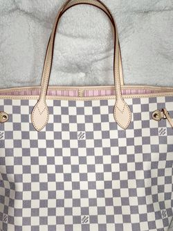 Louis Vuitton Tote for Sale in Sloan,  NV