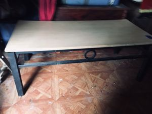 Coffee table for Sale in Winona, MS