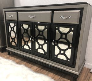 Sideboard/Dresser for Sale in St. Petersburg, FL