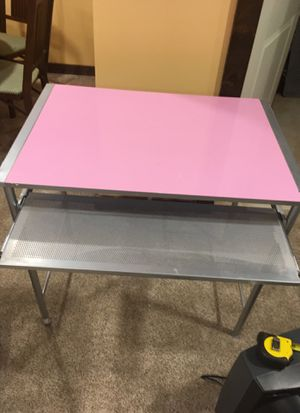 Small kids computer desk. Reversible top! for Sale in NJ, US