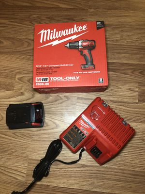 """Milwaukee M18 1/2"""" drill driver set for Sale in Odessa, TX"""