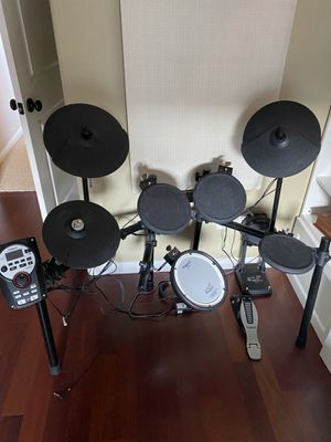 Nice used Roland Model td-11 drum set for Sale in Vancouver, WA