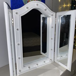 Vanity Mirror for Sale in Brooklyn, NY