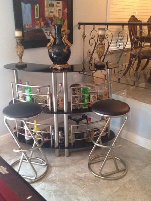 Bar and bar stools for Sale in Tampa, FL