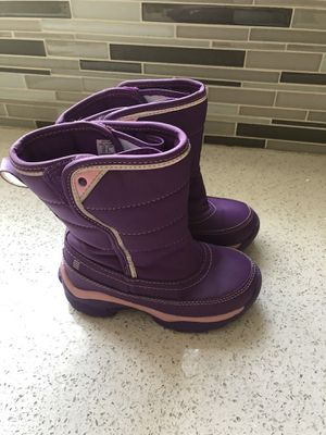 Girls snow boots size 10 for Sale in Los Angeles, CA