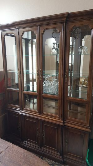 Drexel Heritage China cabinet for Sale in Mission Viejo, CA
