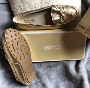 Michael Kors , pale GOLD , DAISY MOC for Sale in Brentwood, PA