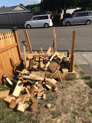 Free wood scraps for Sale in Vancouver, WA
