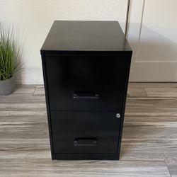 File Cabinet W/ Keys for Sale in Corona,  CA