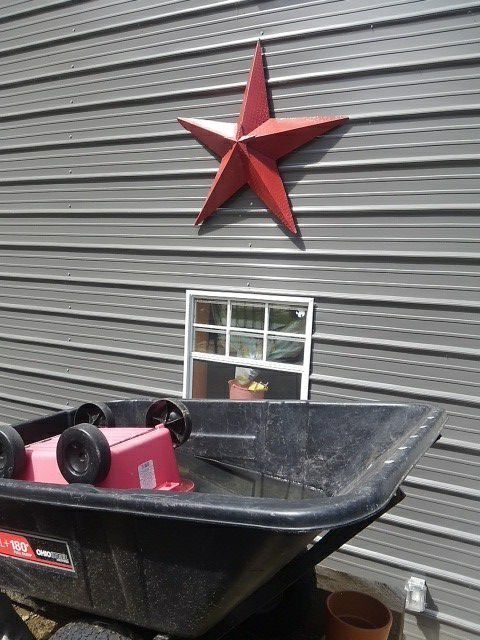 Large Red Star