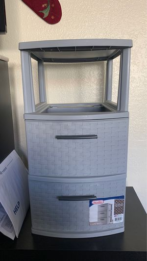 Plastic drawer stand. for Sale in Fountain Valley, CA