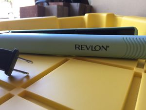 Revlon Hair straightener for Sale in Rialto, CA