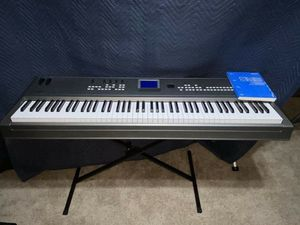 Yamaha MM8 music synthesizer Keyboard with stand for Sale in Irving, TX
