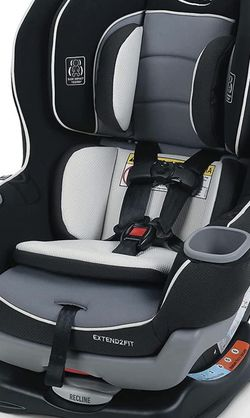 New Graco Extend2Fit Convertible Car Seat, Ride Rear Facing Longer with Extend2Fit, Gotham for Sale in Las Vegas,  NV