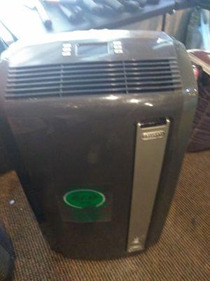 DeLonghi 12,500btu air conditioner dehumidifier fan for Sale in Modesto, CA