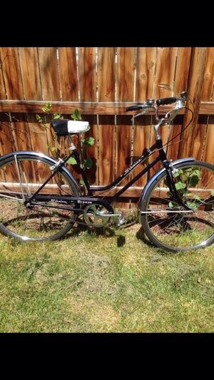 Schwinn breeze 1970s vintage girls bike for Sale in Denver, CO