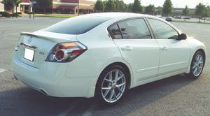New tires 2007 Nissan Altima Oil changed for Sale in Las Vegas, NV