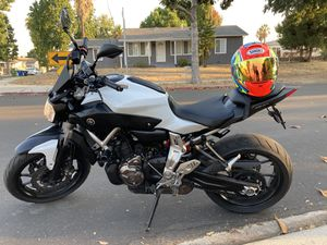 2015 YAMAHA FZ07 PERFECT & RIDES LIKE A NEW NAKED SPORT BIKE. EXTREMELY WELL MAINTAINED WITH RECEITES. SAVES GAS 60MPG!! for Sale in Los Angeles, CA