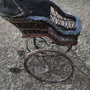 Vintage Doll Carriage for Sale in Phoenix, AZ