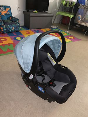 Safety 1st infant car seat for Sale in The Bronx, NY