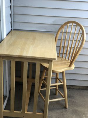 Dining table with 2 chairs for a small kitchen or Studio! for Sale in Bound Brook, NJ