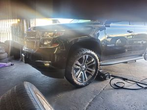 TAHOE WHEELS 22 INCHES AND TIRES 33X12.50R22 BRAND NEW $1690 SET OF FOUR for Sale in Anaheim, CA