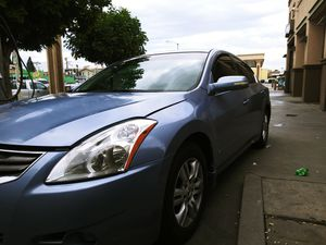 Nissan Altima 2012. 4clynder 2.5 engine for Sale in Los Angeles, CA