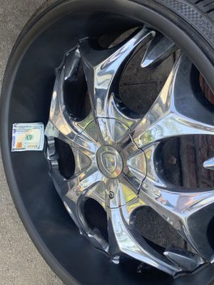 """22"""" universal lug pattern rims and like new tires for Sale in Los Angeles, CA"""