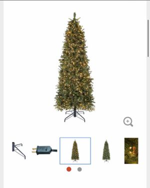 9ft Christmas tree - prelit with small pinecones for Sale in York, PA