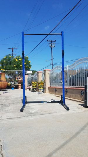 7 foot half Rack with pull up bar ,plate holder and barbell holder 500lbs capacity NEW for Sale in Los Angeles, CA