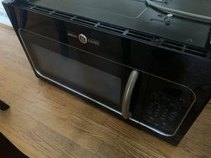 GE microwave BLACK for Sale in Fort Washington, MD