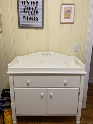 Pottery Barn Kids changing table for Sale in Greenville, SC