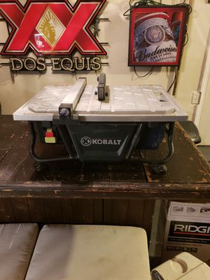 KOBALT 7 inch tile saw for Sale in Tulare, CA
