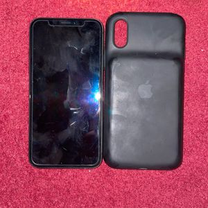 iPhone X 256 GB AT&T (Charging Case) for Sale in Arlington, VA