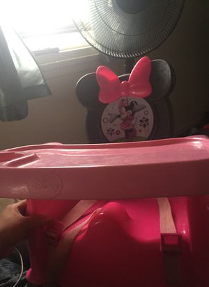 Minnie booster seat for Sale in Cleveland, OH
