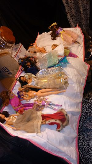Barbies Barbies Barbies 1960s selling ALL for Sale in Brentwood, NC